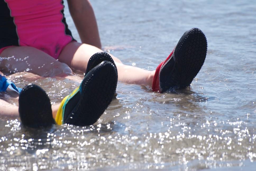 Buty do wody dla dzieci – czy się sprawdzają?